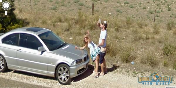 Sesso sul cofano dell'auto: Google Street View colpisce ancora