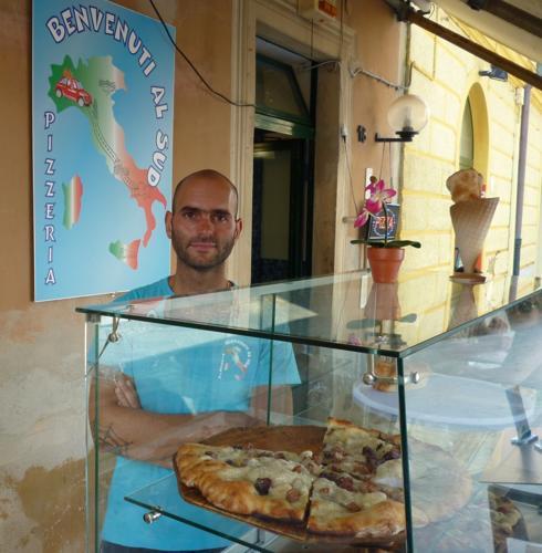 A Savona una pizzeria serve al tavolo due clienti e riceve 5000€ di multa