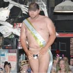 A New York il concorso per l'uomo con il pene più piccolo della città