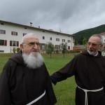Frate John entrò nel Monastero del Silenzio ed il Superiore gli disse: