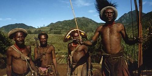 Due europei vanno a caccia in Africa;a fine giornata si ritrovano…