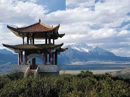 Una coppietta in viaggio di nozze va in luna di miele in Cina.