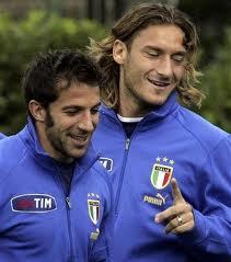 Totti e Del Piero si incontrano nei corridoi del Cepu