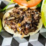 A New York arriva l'hamburger con insetti, novità culinaria esclusiva