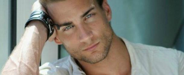 Manuel, ex modello, diventa ginecologo e l'ospedale viene preso d'assalto