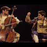 Straordinaria versione di Thunderstruck con i violoncelli