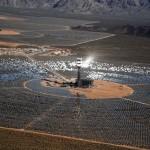 """Strage di uccelli, bruciati sopra la nuova """"solar farm"""" in California"""
