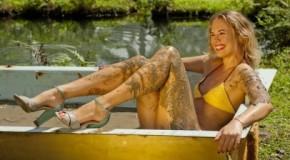 Sexy modelle nel letame, il calendario si sporca per l'ambiente (foto)
