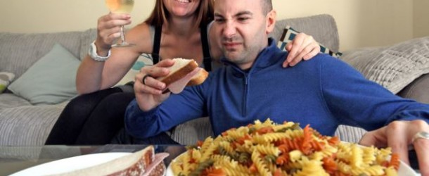 Per una rara malattia, il suo intestino trasforma il cibo in alcol (ed è sempre ubriaco)