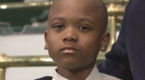 Sequestratore libera un bambino che non smette di cantare