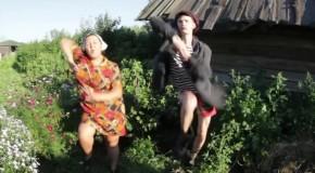 Parodia russa di Kiesza – Hideway. Il video del momento!