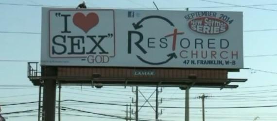 «Io amo il sesso» firmato Dio. Il cartellone pubblicitario scatena la polemica