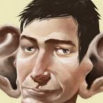 Un uomo con delle orecchie enormi decide di andare dal chirurgo plastico…