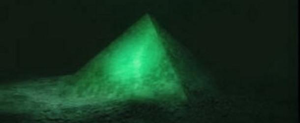 Piramide sul fondo del Triangolo delle Bermuda