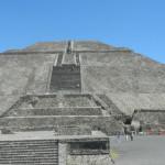 """Teotihuacan (La Piramide del Sole) potrebbe crollare """"come un castello di sabbia"""""""