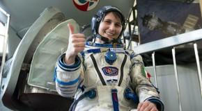 """Samantha Cristoforetti, urla di paura nello spazio: """"E' un ufo?"""""""
