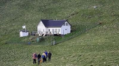 casa-isolata-Elliðaey-Islanda-