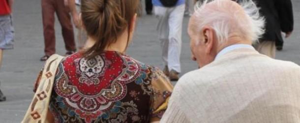 Notte di sesso con l'ottantenne, badante di 50 anni colpita da infarto